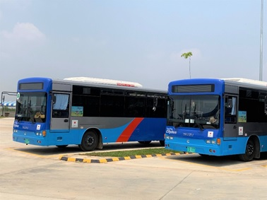 日本から無償供与されたバス